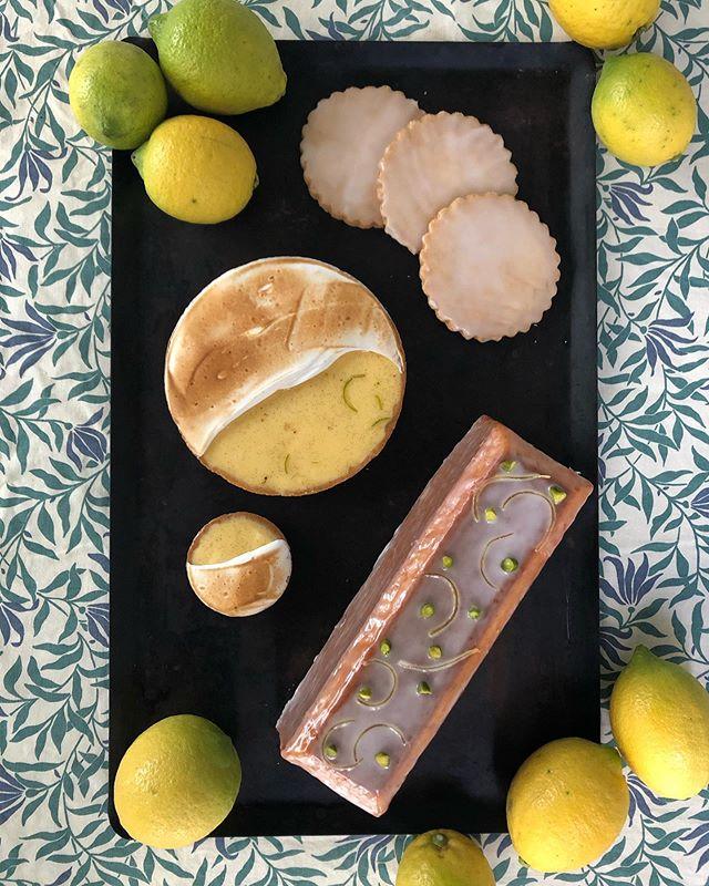12月8日(日)は二子玉川のSHEDで開催するエプロン商会の展示会に合わせて、テテリアとカフェリゼッタの檸檬喫茶〜屋台編〜を出店致します。テテリアの大西進さんが淹れる数種類のレモンティーとカフェリゼッタのレモンのお菓子を合わせて、元気のでる甘ずっぱいティータイムをお過ごし下さい。ご提供はテイクアウトのみですが、ご購入いただいたお客様にはテラスのお席を開放しております。ぜひお出かけください。teteria × Café Lisette檸檬喫茶〜屋台編〜12月8日(日)12:00〜18:00二子玉川SHEDにて